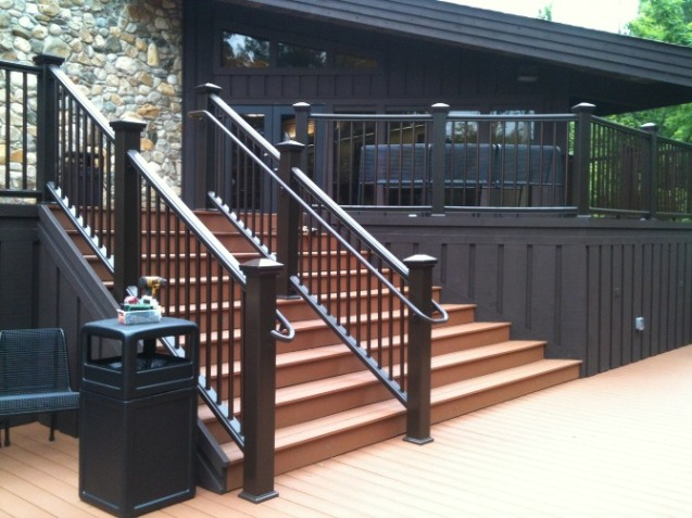 Trex decking and aluminum handrail
