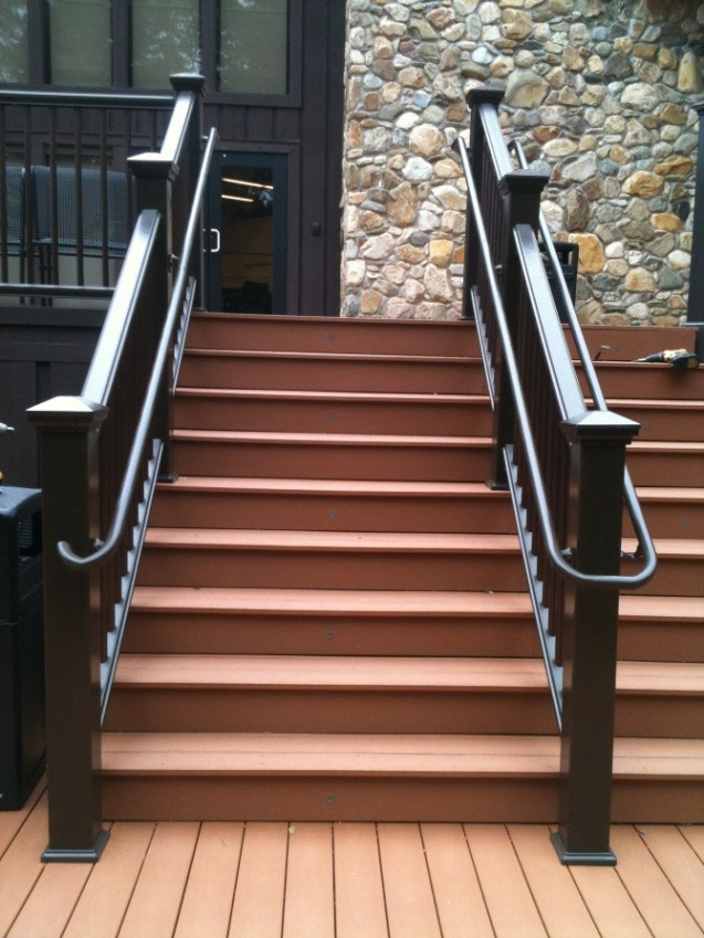 Trex decking and aluminum handrail
